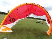 '06 North Vegas 10m & 14m kites