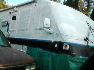 Fully Loaded RV One Bedroom like Apartment Plus 3/4 ton GMCTruck