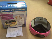 Automatic pet feeder - NEW - GREAT DEAL