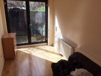 ALL BILLS INCLUSIVE EXCEPT COUNCIL TAX - GROUND FLOOR STUDIO IN EDMONTON, N9 - SORRY NO DSS