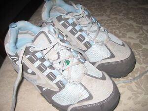 Size 8 Safety Shoes Like Brand New  ** STEEL TOE*****