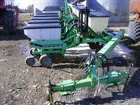 12 Row Planter W/Dry Fertilizer