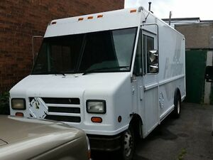 2000 Ford Econoline PERFECT FOR FOOD TRUCK!