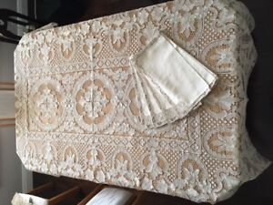 Hand Made Lace Tablecloth w 12 matching Napkins