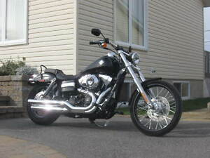 CONDITION SHOW ROOM 2012 HARLEY DYNA WIDE GLIDE. 15797 KM