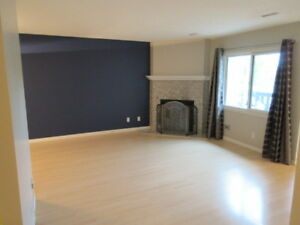 Lovely Cedarbrae Condo/Townhouse - Underground heated parking