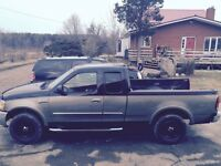03 F150 4x4 $4000 obo Great truck needs little