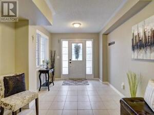 Fabulous 2 Bed/2 Bath Town in Central Milton! Just Listed!!! Oakville / Halton Region Toronto (GTA) image 2