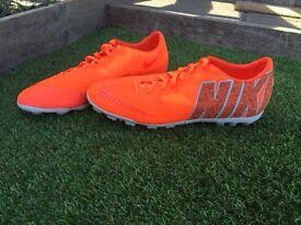 Nike Bomba Finale II. Size 11 Mens, Football boots