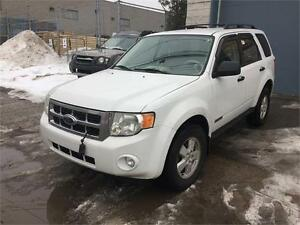 2008 FORD ESCAPE***4 CYLINDRES+AWD+PNEUX D'HIVER+4200$***