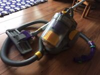 DYSON 05 'Absolute' vacuum.
