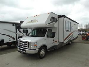 2009 Conquest Class C motorhome with slideout