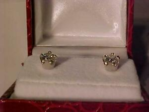 #3551-ABSOLUTELY NEW 14K WHITE GOLD SCREWBACK DIAMOND EARRINGS(.53ct total)Appraised $1,875.00 sell $695.00 Free s/h