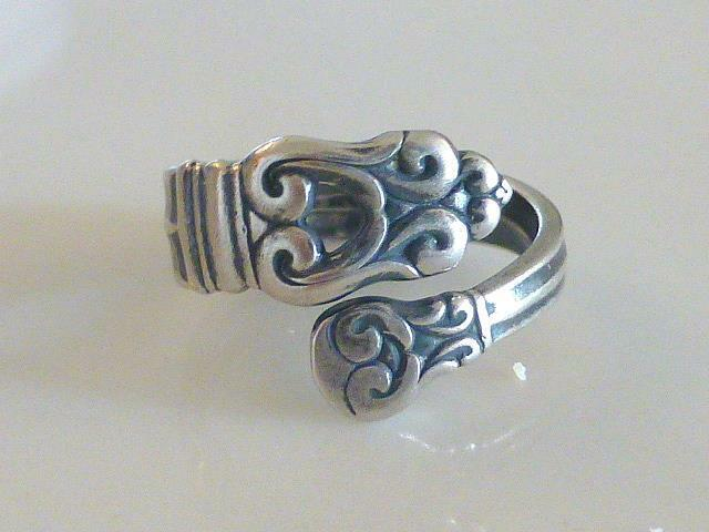 Art Deco International ROYAL DANISH Spoon Wrap Sterling Silver Ring 8