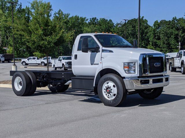 2022 Ford Super Duty F-750 DRW Commercial Cab Chassis Truck 25,999 GVWR 194 wb