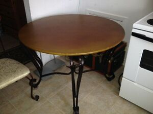 Beautiful Iron Table with 2 Chairs  Non Smoking Home
