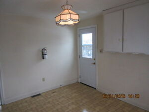 NIAGARA FALLS 1 BEDROOM APT VACAND CAN SHOW NOW
