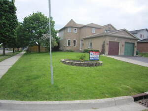 FREEHOLD Semi Detached HOME in Country Hills! Fin bsmt!