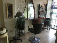 *****ONE MONTH FREE***** Hairdresser Chair, Manicure / Pedicure