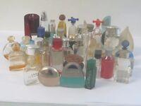 Quantity of miniature perfume scent bottles