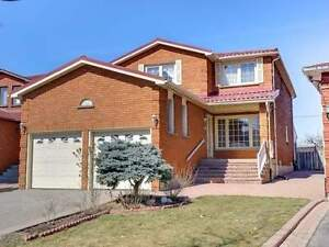 Bright And Spacious Well Maintained 4 Bedroom Home In Woodbridge