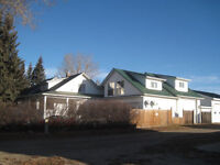 Red Key Realty ~ PM 719 ~ BEAUTIFUL 4 BEDROOM & SHOP ~ INNISFAIL