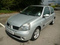 2005 RENAULT CLIO 1.5 DIESEL. £ 30 ROAD TAXS. MOT AUGUST 2019. 2 KEYS. 9 SERVICE STAMPS.