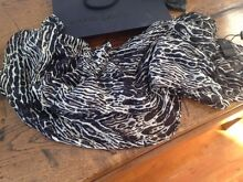 david lawrence leopard print scarf BNWT $69 CURRENT 2016 winter Unley Unley Area Preview