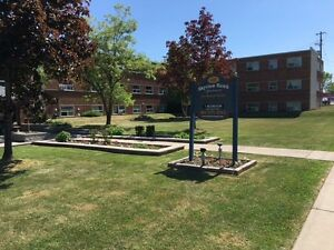 1 BDRM SPACIOUS APT AVAILABLE NOW! MOHAWK RD EAST