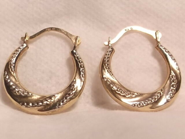 10K Hollow Gold Hoop Earrings EUC