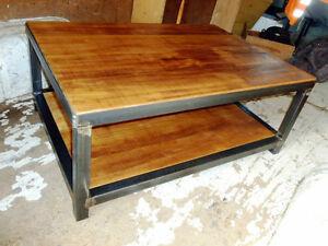 table basse industriel annonces d 39 achats et de ventes les meilleurs prix. Black Bedroom Furniture Sets. Home Design Ideas