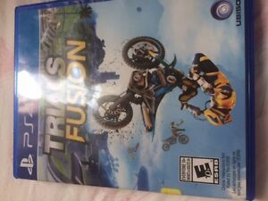ps4 games (tearaway unfolded crafted edition) & (trials fusion)