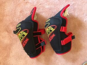 Powerline CCM Elbow Pads
