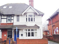 Well presented and spacious 2 bedroom 1st floor flat situated in central Guildford with parking