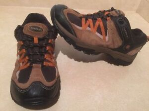 Women's North 49 Hiking Shoes Size 10 London Ontario image 1