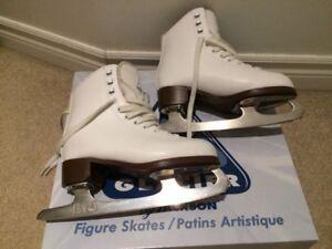 Girl Figure Skates Glacier 120 Size 5 (Intermediate girl size).