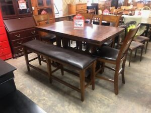 SOLID WOOD AND LEATHER PUB STYLE TABLE SET WITH BENCH