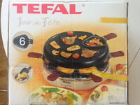 Tefal Jour de fete raclette set, with all accessories- melted cheese, anyone?