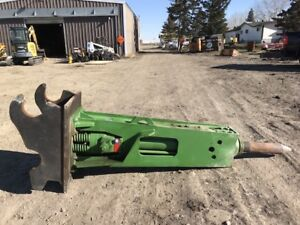 2016 MUSTANG BREAKER FOR 200/250 SERIES EXCAVATOR