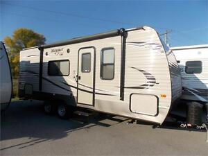 2017 KEYSTONE HIDEOUT 212LHS TRAVEL TRAILER