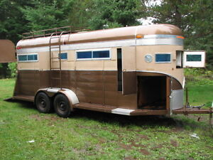 REDUCED! 22' Four Horse/ Livestock, Straight Haul Trailer