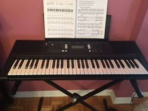 Yamaha YPT-340 DIGITAL KEYBOARD WITH STAND AND CARRYING CASE Cornwall Ontario image 2