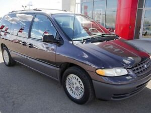 1996 Plymouth Grand Voyager LE
