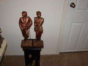 pair of Austin Sculpture Danel 2 pc set golfer figurine