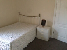 Large Double Room Available To Rent Now In Gants Hill