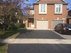 Mississauga Semi Detached house for Rent (Near Sq One)