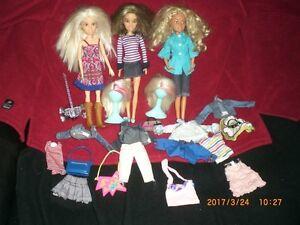 3 poupées spin doll avec deux perruques et accessoires