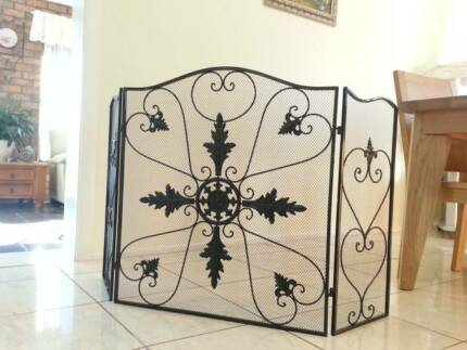 NEW Hand Iron French Style Fireplace Screen Fire Guard BLK003