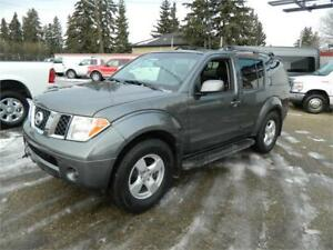 2007 NISAAN LE PATHFINDER VERY VERY NICE STOP IN CHECK IT OUT