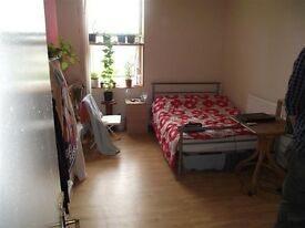 Large Studio including all bills in Wanstead